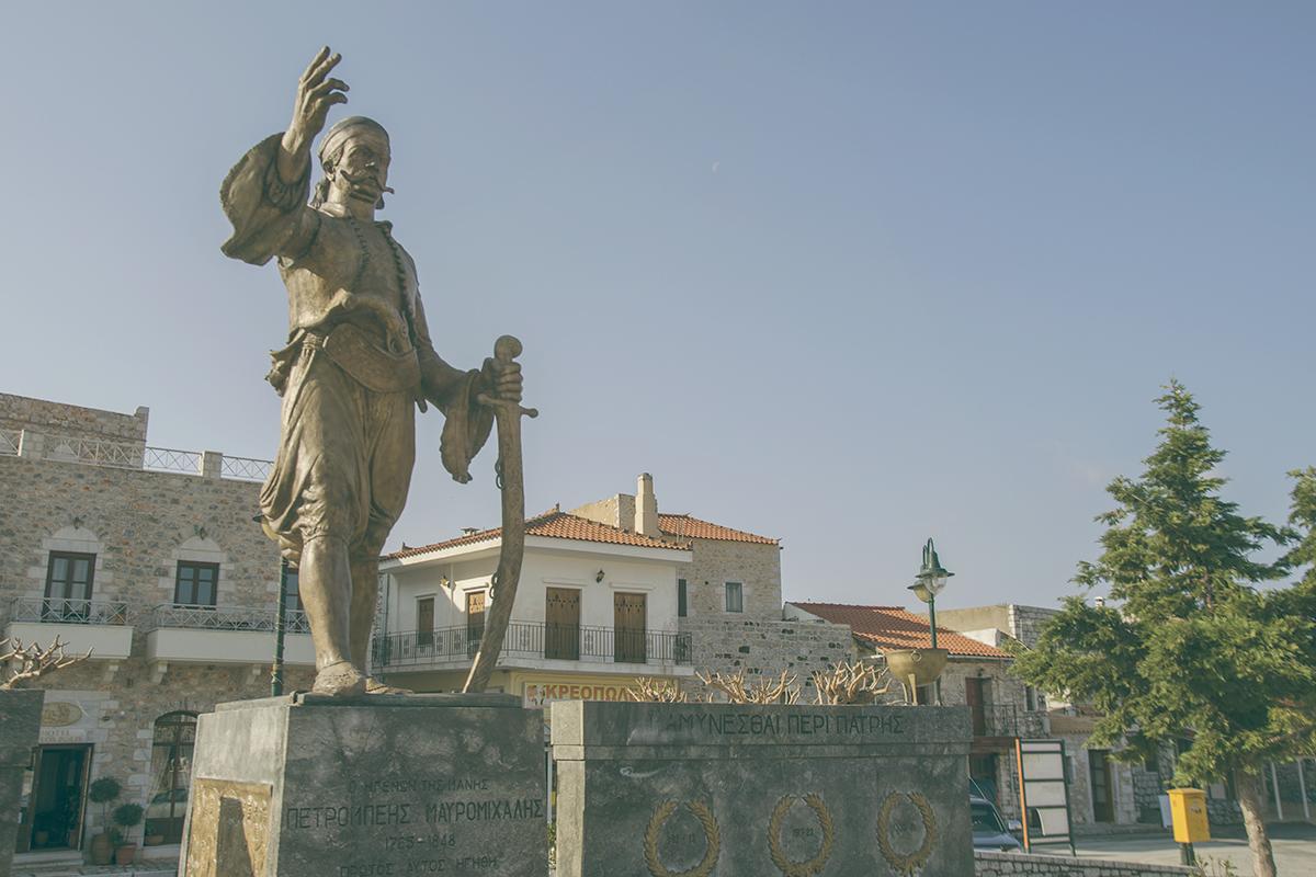 pomnik_bohatera